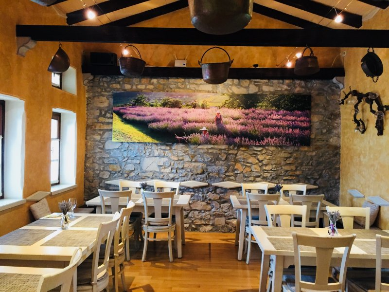E30-1-Restaurant-Breg